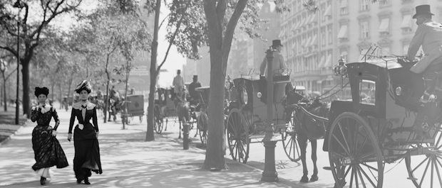 Cab stand at Madison Square, New York, ca. 1900 (Library of Congress)